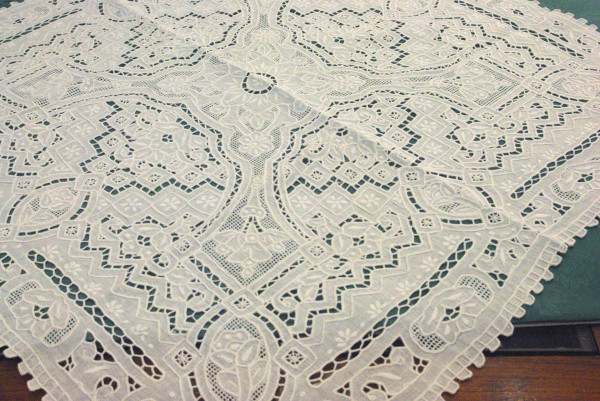 Table Topper square special cut work muraglia