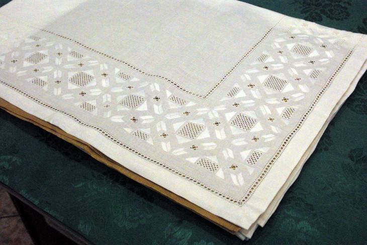 """Table-Cloth 72"""" x 114"""" Pure Linen"""