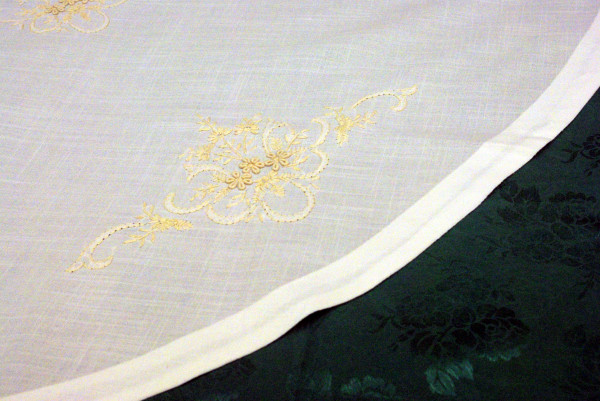 """Round Table-Cloth 72"""""""